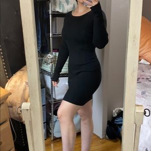 Black long sleep ribbed dress